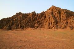 Montañas de Sinaí en la puesta del sol Foto de archivo libre de regalías