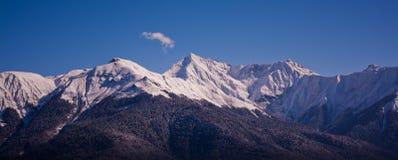 Montañas de Sochi Krasnaya Polyana Imagen de archivo libre de regalías