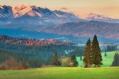 Montañas de Tatra en la puesta del sol Fotografía de archivo libre de regalías