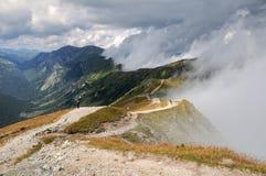 Montañas de Tatra en nubes fotografía de archivo libre de regalías