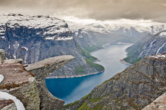 Montañas de Trolltunga - de Skjeggedal - Noruega Fotos de archivo