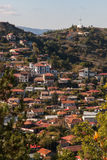 Montañas de Troodos en la ciudad de Chipre Imágenes de archivo libres de regalías