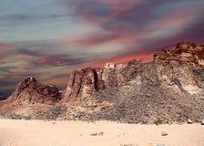 Montañas de Wadi Rum Desert, Jordania Imagen de archivo