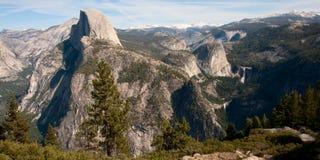 Montañas de Yosemite fotos de archivo
