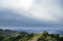 Montañas debajo de la nube Imágenes de archivo libres de regalías