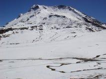 Montañas del alto pico Imagenes de archivo