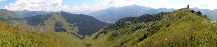 Montañas del Cáucaso Fotos de archivo libres de regalías