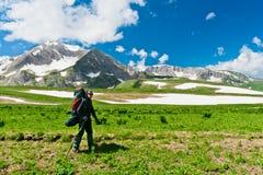 Montañas del Cáucaso del norte Foto de archivo libre de regalías
