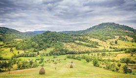Montañas del campo Foto de archivo libre de regalías