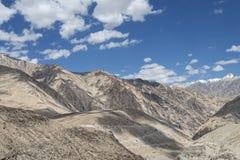 Montañas del desierto de poco Tíbet Foto de archivo