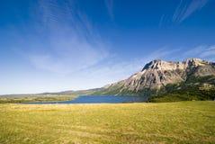 Montañas del parque nacional de los lagos Waterton Fotografía de archivo