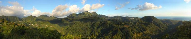 Montañas del St Pedro según lo visto del montaje Pelee Fotos de archivo libres de regalías