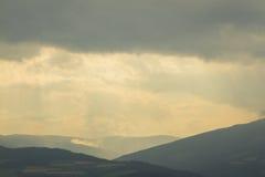Montañas después de la lluvia Fotos de archivo libres de regalías