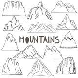 Montañas dibujadas mano fijadas Foto de archivo