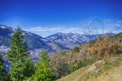 Montañas distantes Foto de archivo