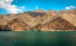 Montañas, el Océano Índico Imagen de archivo libre de regalías