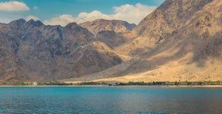 Montañas, el Océano Índico Imagen de archivo