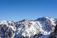 Montañas en Almaty Foto de archivo