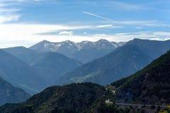 Montañas en Andora en la primavera Sunny Day Imagen de archivo libre de regalías