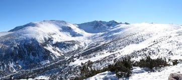 Montañas en Borovets, Bulgaria de Rila foto de archivo