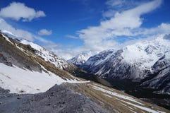 Montañas en el Cáucaso imagen de archivo