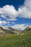 Montañas en el Cáucaso foto de archivo libre de regalías