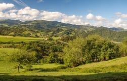 Montañas en el país vasco foto de archivo