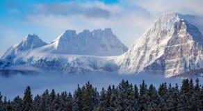 Montañas en el parque nacional de Banff, Canadá Imágenes de archivo libres de regalías