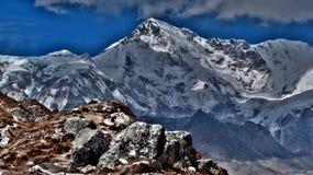 Montañas en Himalaya, Nepal - Asia imágenes de archivo libres de regalías