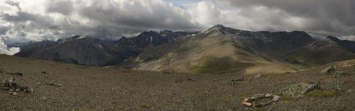 Montañas en Jasper National Park Imagen de archivo libre de regalías