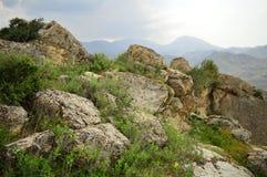 Montañas en Kadamzhay, Kirguistán Fotos de archivo