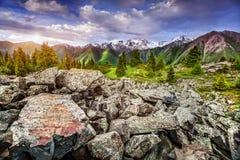 Montañas en Kazakhstan Fotos de archivo