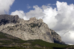 Montañas en la costa de Crimea imagen de archivo