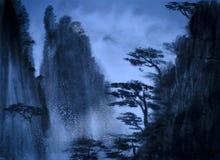Montañas en la oscuridad libre illustration