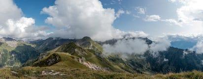 Montañas en las montañas en Lichtenstein foto de archivo libre de regalías