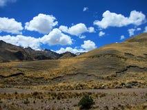 Montañas en las montañas de los Andes, Perú Fotos de archivo libres de regalías