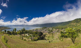 Montañas en las nubes Imágenes de archivo libres de regalías