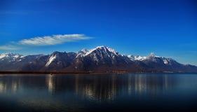 Montañas en Leman, Suiza Imágenes de archivo libres de regalías