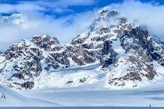 Montañas en los glaciares fotografía de archivo libre de regalías