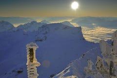 Montañas en oscuridad Fotos de archivo libres de regalías