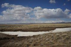 Montañas en Tíbet Fotos de archivo libres de regalías