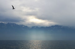 Montañas en tiempo nublado Fotos de archivo
