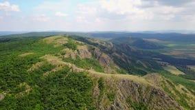 Montañas enselvadas salvajes de Balcanes metrajes