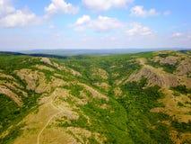 Montañas enselvadas salvajes de Balcanes Fotografía de archivo