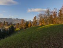 Montañas eslovenas en Atumn Foto de archivo