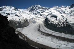 Montañas heladas Imágenes de archivo libres de regalías