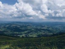 Montañas hermosas de Cárpatos Imágenes de archivo libres de regalías