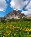 Montañas hermosas en dolomías Fotos de archivo libres de regalías