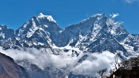 Montañas Himalayan en Nepal fotos de archivo libres de regalías