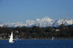 Montañas Ice-covered imagen de archivo